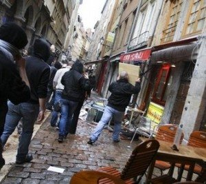Identitaires-Lyon-Marche-cochons