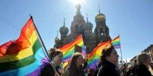 des-activistes-gay-manifestent-a-saint-petersbourg-en-mai